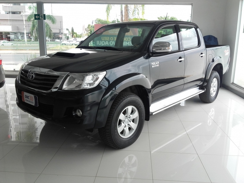 TOYOTA HILUX 3.0 SRV 4X4 16V TURBO INTERCOOLER DIESEL  AUTOMATICO